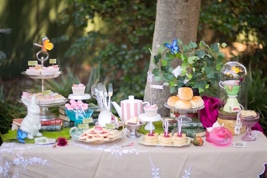 Alice-in-Wonderland-Birthday-Tea-Party-via-Karas-Party-Ideas-KarasPartyIdeas.com15